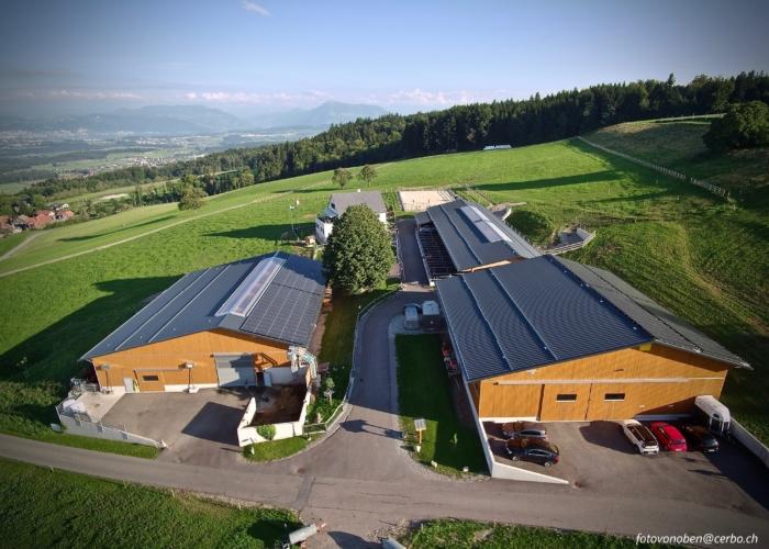 Landwirtschaftliche Siedlung – Einfahrt & Parkplätze